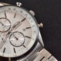 ギオネの時計はダサいのか口コミや評判を検証!男が愛用してダサい時計とは…